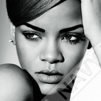 Rihanna's Diamonds knocks Gangnam Style off Number 1